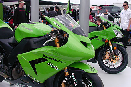 Factory Kawasaki - T. Hayden bike